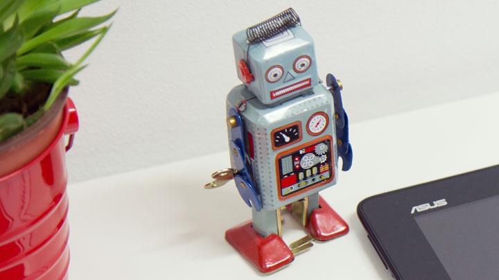 Robot de hojalata vintage
